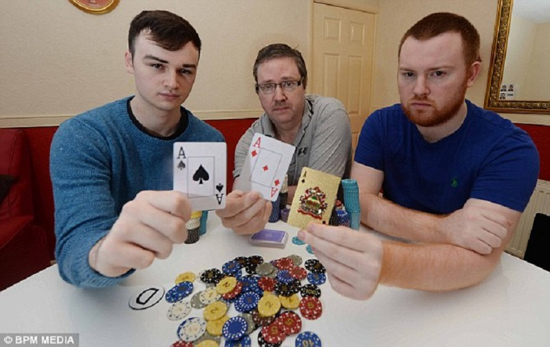 Family all quit their jobs to become poker professionals