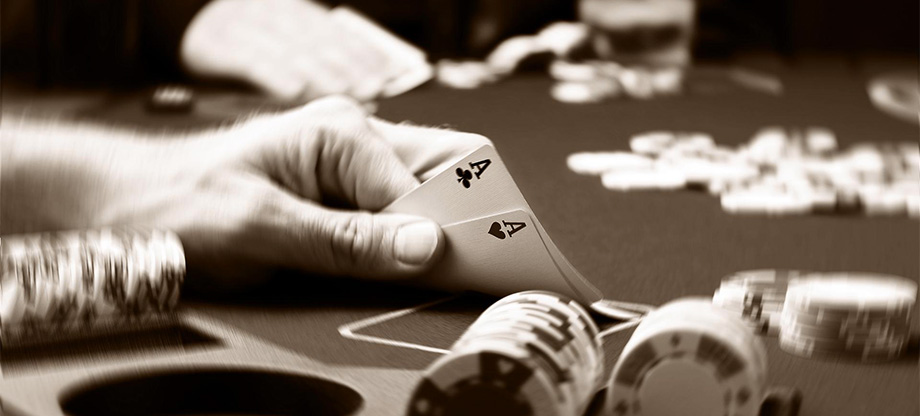 How can a good strategy make me a better poker player?